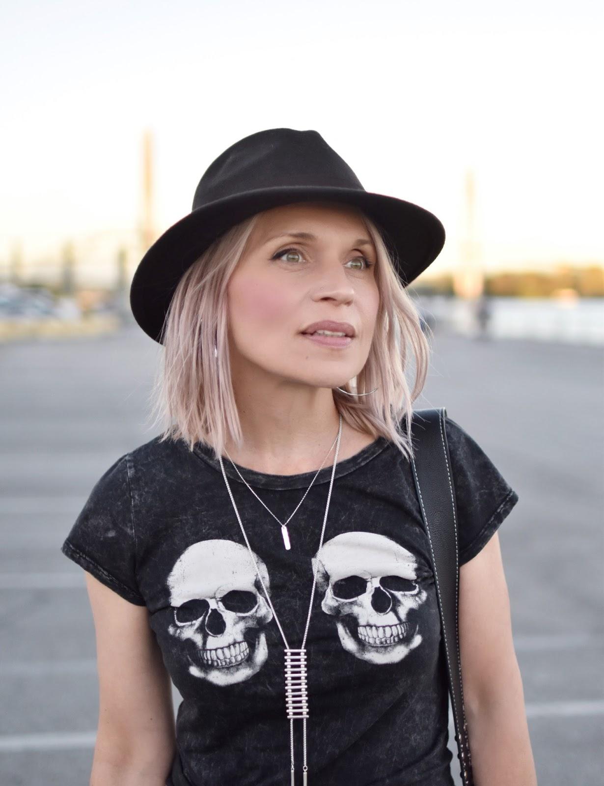 Monika Faulkner outfit inspiration - skull-patterned tee, felt fedora