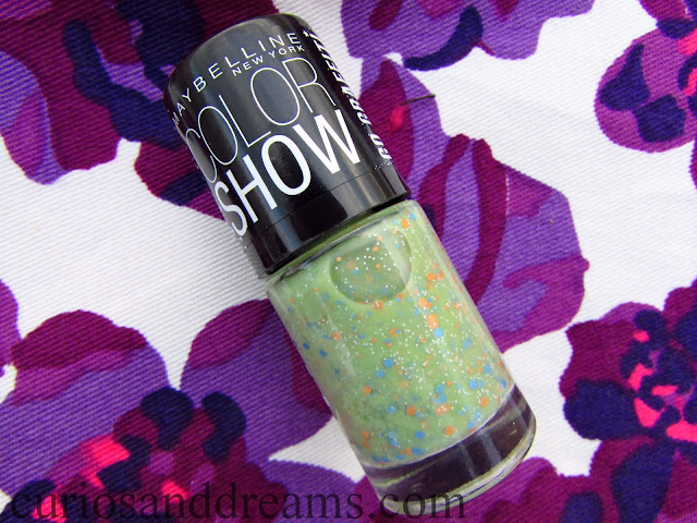 Maybelline Color Show Go Graffiti review, Maybelline Color Show Go Graffiti green graffiti review, Maybelline Color Show Green Graffiti review