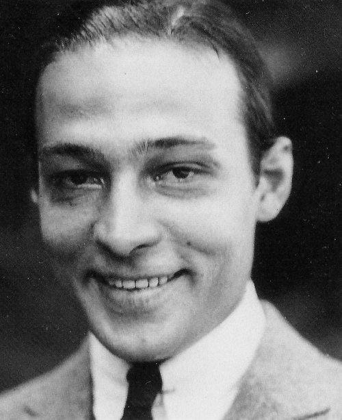 personal and professional life of rudolph valentino Personal life in 1919 dark lover: the life and death of rudolph valentino farrar rudolph valentino file:rudolph: born.