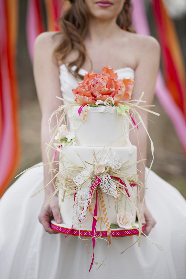 bride+groom+boho+bohemian+chic+orange+pink+yellow+rustic+valentine+valentines+day+february+winter+spring+wedding+cake+bouquet+petticoat+dress+gown+table+setting+floral+arrangement+centerpiece+tangerine+melissa+mccrotty+photography+3 - The Valentine Ombre