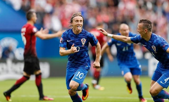 Croácia vence a primeira na Euro com Golaço de Modric