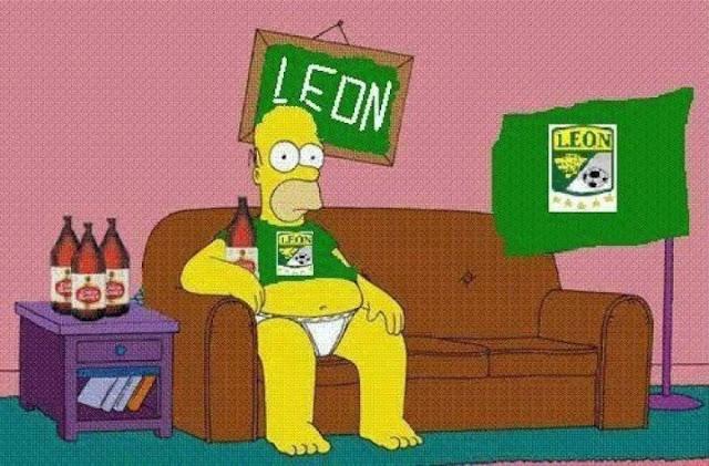 Simpson con uniforme de leon