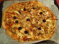 pizza casera de champiñones y bonito