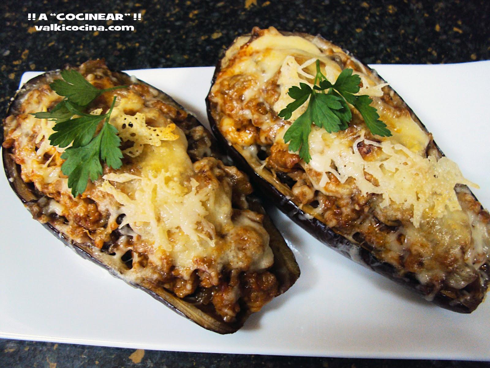 Berenjenas rellenas de carne, queso y gratinadas al horno