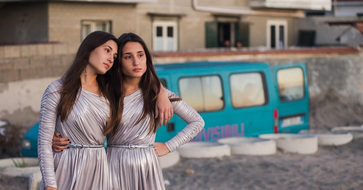 """""""Indivisibili"""", Edoardo De Angelis: """"Il film doveva puzzare della vita di queste due gemelle"""""""
