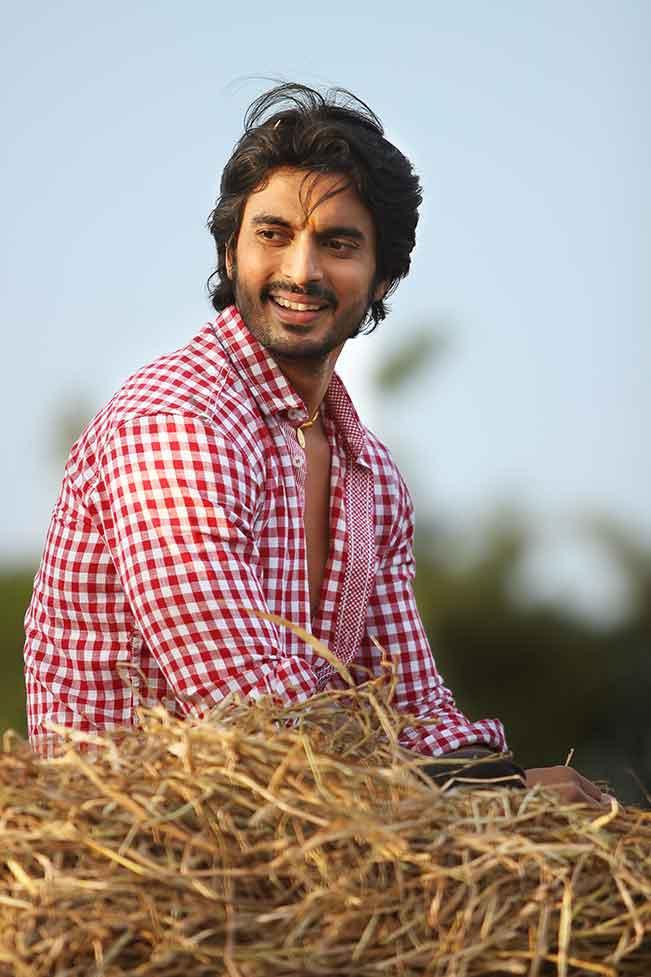 Movie Reviews Marathi Hero Gashmeer Mahajani
