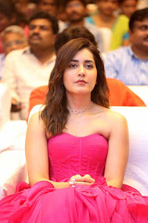 Actress Raashi Khanna Stills At Prati Roju Pandage Pre Release Event