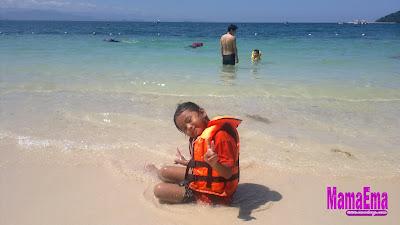 mandi di pulau manukan