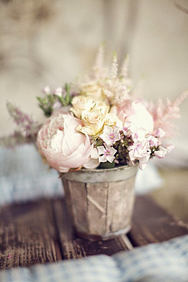 11 arreglos florales para boda decora tu boda con flores. Black Bedroom Furniture Sets. Home Design Ideas