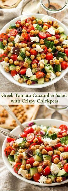 Greek Tomato Cucumber Salad Wíth Críspy Chíckpe