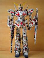 Manualidades con material reciclado -Muñeco de Transformers hecho con latas