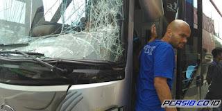 Bus Rombongan Pemain Persib Bandung Kecelakaan di Bekasi
