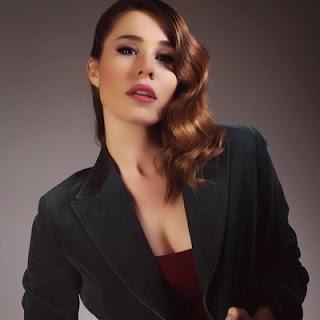 Duygu Şen -Turkish Celebrity- Full nude+grup