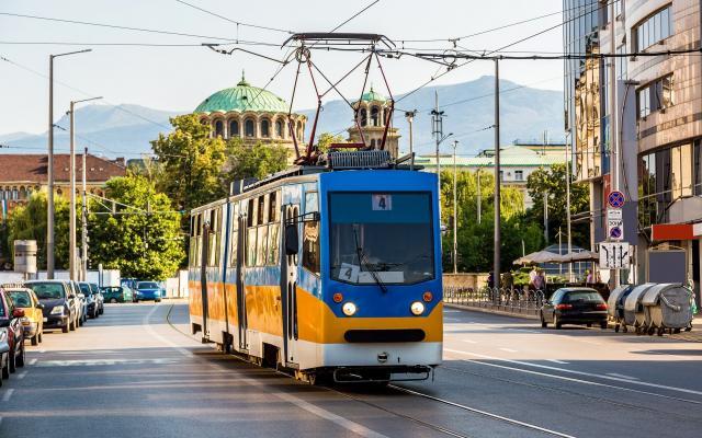 Sofía, tranvía, catedral svetá Nedelya
