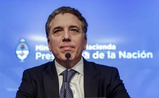 Diputados argentinos solicitarán interpelar a Dujovne