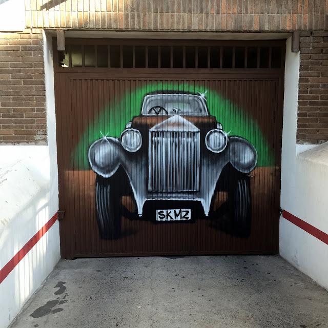 Puerta de garaje de Rolls-Royce