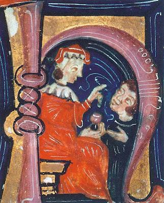 Respeitabilidade e veneração em todos os niveis sociais.  Oculista pinga colírio em paciente,  Biblioteca Municipal de Besançon, ms 475 folio 1.