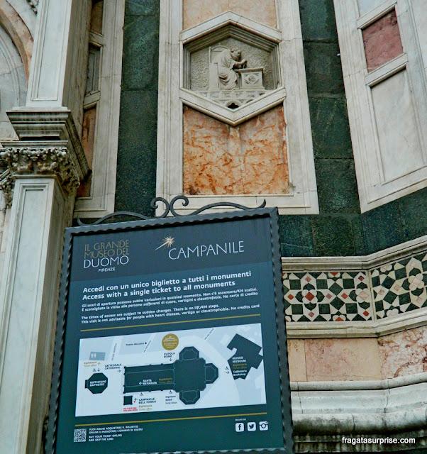 Decoração externa do Campanário de Giotto, catedral de Florença