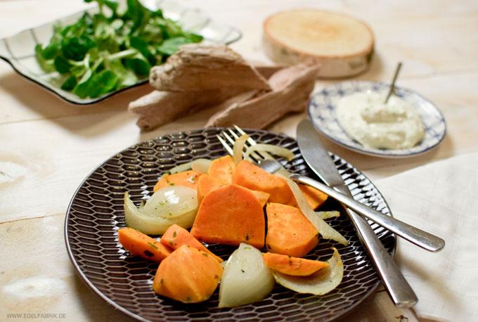 Gemüsezwiebeln und Süßkartoffeln, leckere Beilage zu Fleisch und Fisch