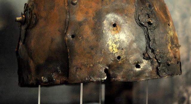Hełm, tzw. szłom wielkopolski pochodzący ze wsi Giecz, przechowywany w Muzeum Archeologicznym w Poznaniu