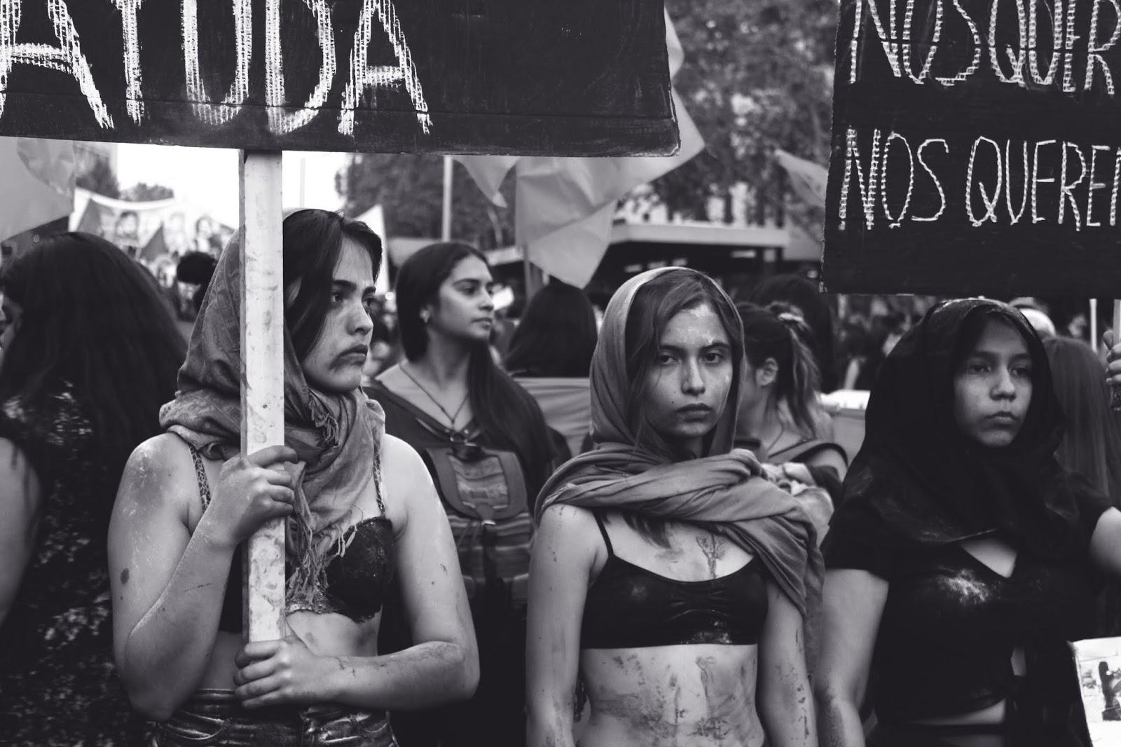 czerń i biel, B&W, feminizm, womanism, nurty ideologiczne