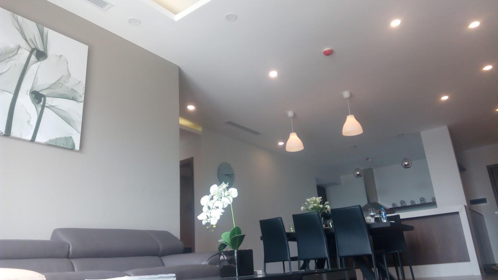 Phòng khách chung cư Taseco Complex thiết kế đơn giản nhưng tối ưu không gian sử dụng