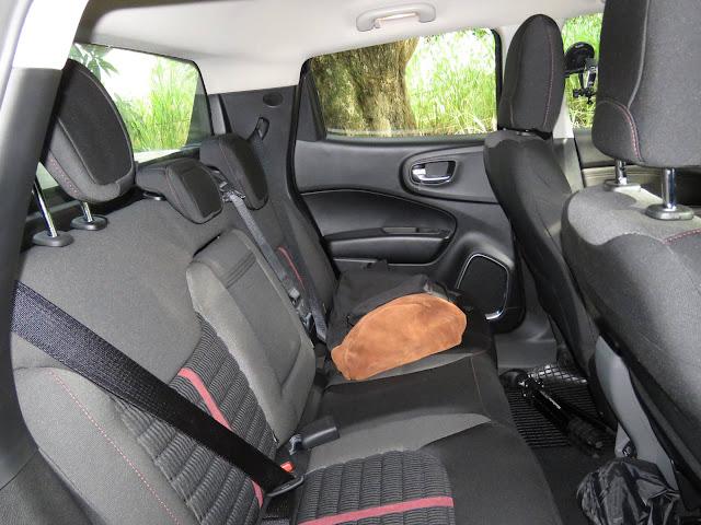 Fiat Toro Flex Automática - interior - espaço interno