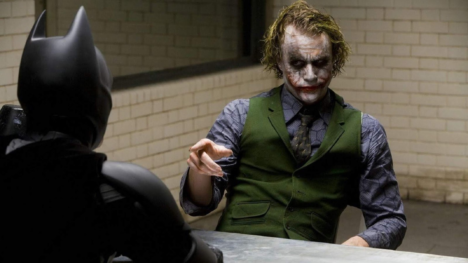 The Dark Knight: Heath Ledger le pidió a Christian Bale que lo ...