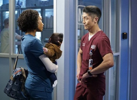 """NUP 186732 0015 595 Spoiler%2BTV%2BTransparent - Chicago Med (S04E21) """"Forever Hold Your Peace"""""""