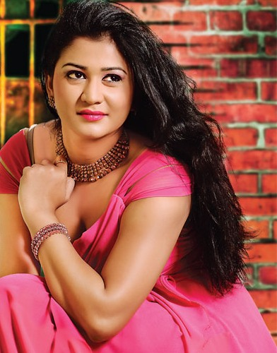 Gossip Chat With Actress Ruwangi Rathnayake