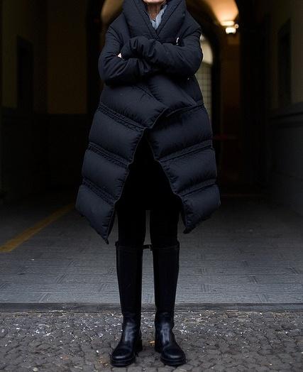 μπορεί να συνοδεύσει κάθε μας outfit από μια πρωινή απογευματινή ή βραδινή  βόλτα μέχρι ένα πιο σπορ ντύσιμο b7f315fef5f