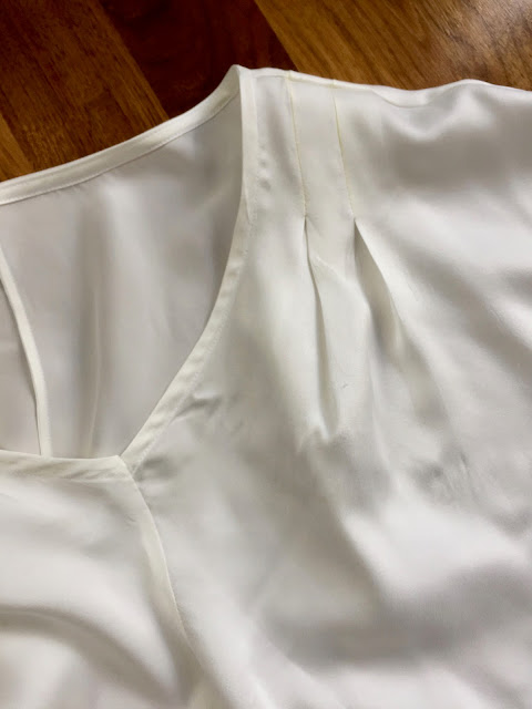 Diary of a Chain Stitcher: Rachel Comey Vogue 1247 Top in Sand Washed Silk from Stoff Stil