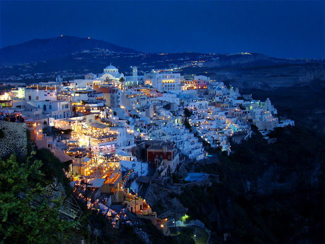 The Captivating Island of Santorini, Greece, in the Southern Aegean Sea. Photo: WikiMedia.org.