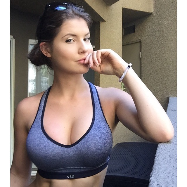 amanda-cerny-beautiful-instagram-photo