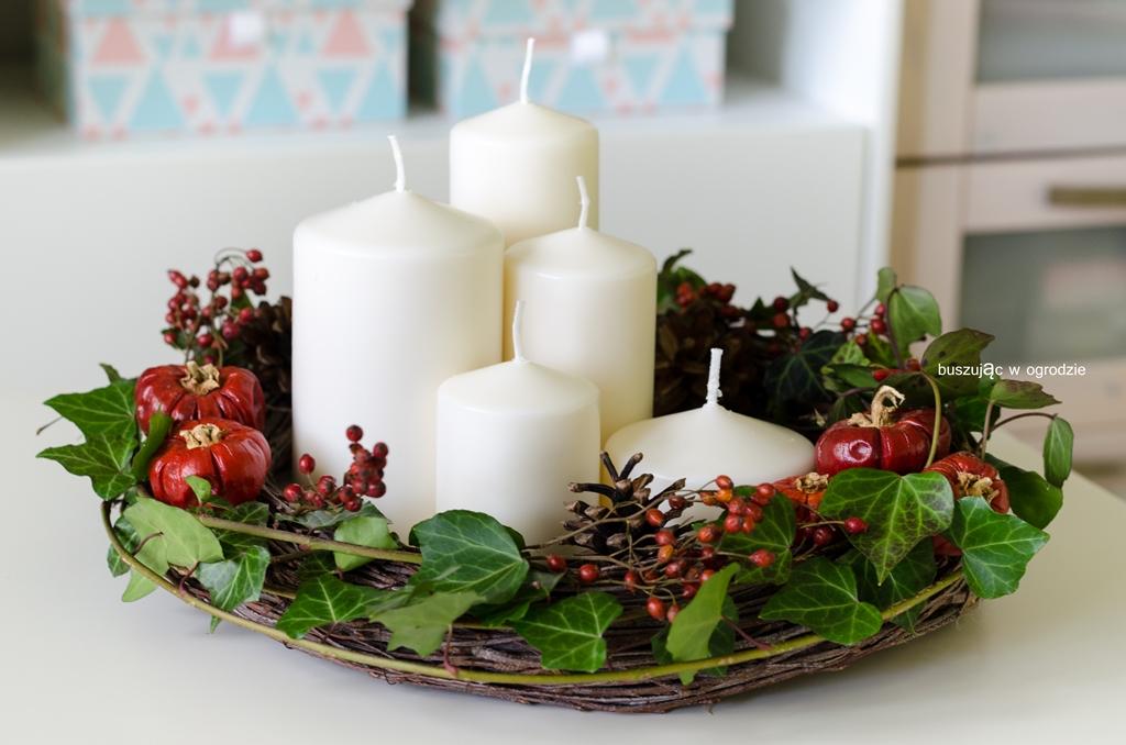 jesienna dekoracja na stół, wieniec na drzwi