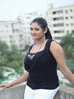 Vasavi Reddy glamorous photo shoot gallery-cover-photo