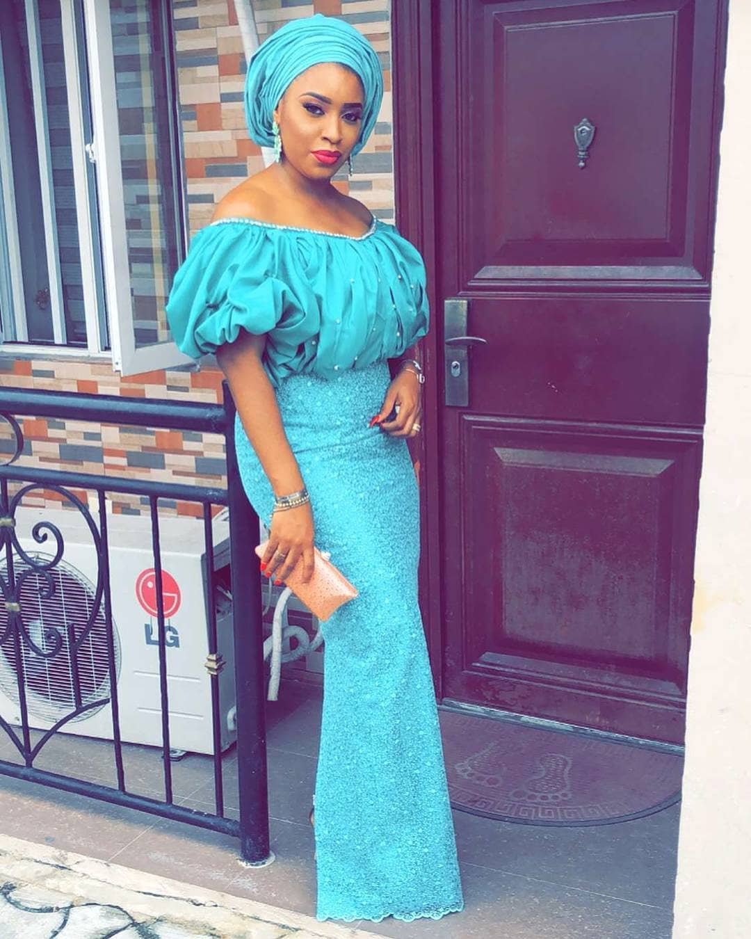 LOOK AT THESE BEAUTIFUL AND CLASSIC LATEST ASO EBI STYLES 2018 FOR ...