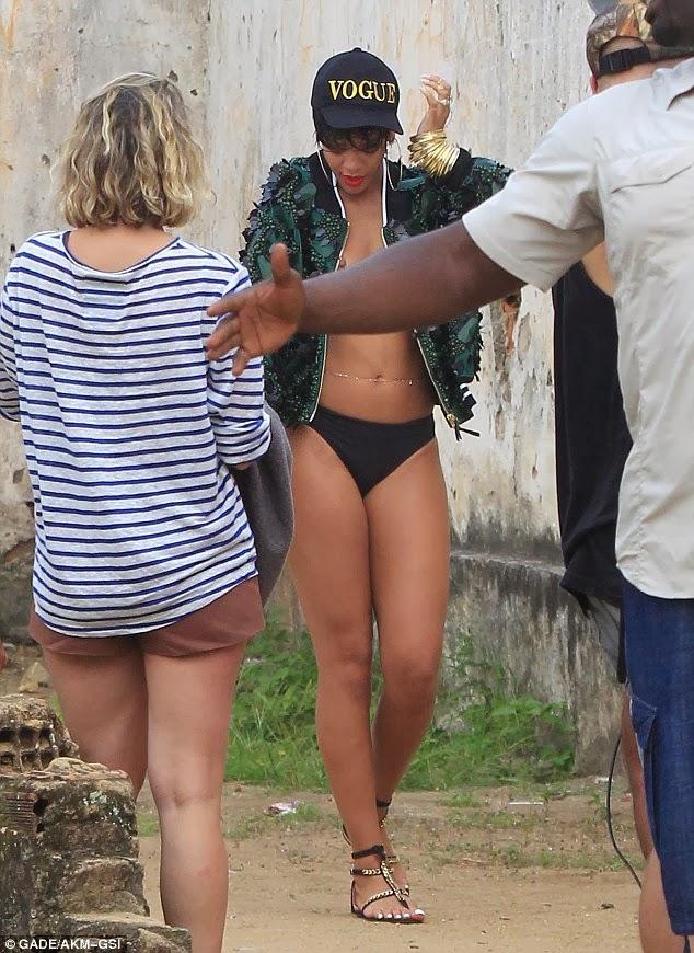 Nude Rihanna