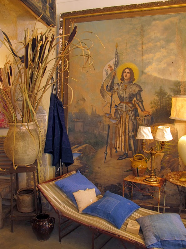 Lost in Arles: Depuis Toujours - wonderful antiques and ...
