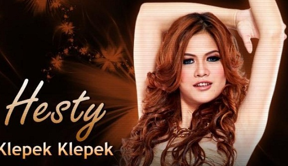 Parah : Penyanyi dangdut nasional Hesty Klepek Klepek Dibooking dalam Keadaan Hamil