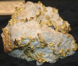Batu dan Emas