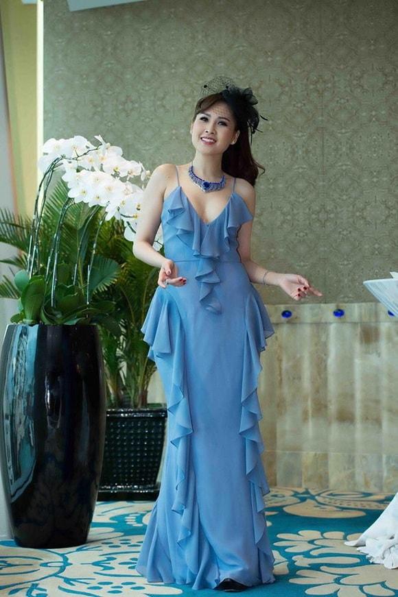 'Gái nhảy' Minh Thư diện váy xanh tiên cá khoe vẻ đẹp gợi cảm tuổi 42 -5