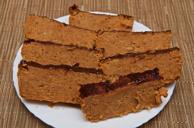 Chapelure - Chapelure faite-maison - cuisine - cooking - réutiliser restes de pain - pain rassis - miettes - pain - Cake de lentilles corail - vegan cake