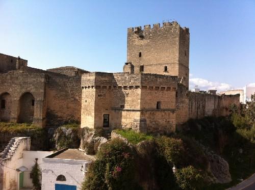 castello episcopio grottaglie