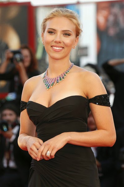 Scarlett Johansson movieloversreviews.filminspector.com