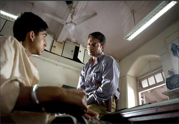 [STORY] Slumdog Millionaire (Movie) - F4-Programmer