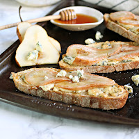 Pear, Blue Cheese and Honey Tartine