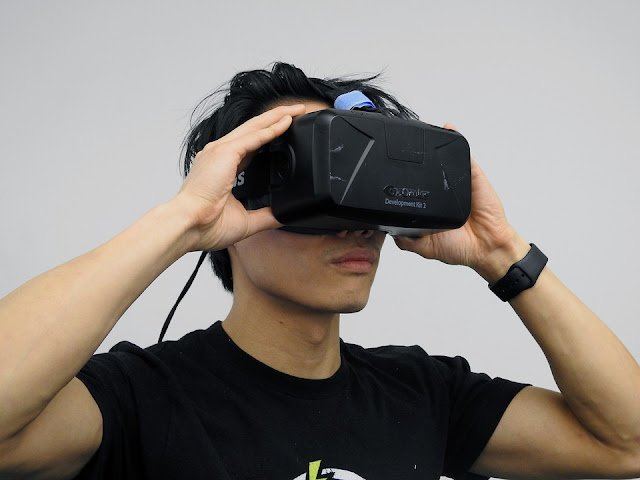Image Attribute: Oculus Technology's Development Kit 2/ HammerandTusk / Pixabay.com