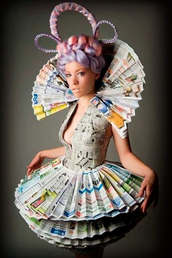 dd6105585a EL FIN DE LOS TIEMPOS  20 espectaculares vestidos hechos con libros