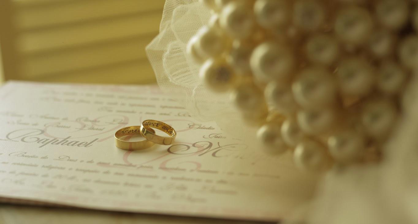making-of-convite-aliancas-bouquet-perolas